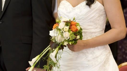 Nach einer Scheidung verkaufte die Braut ihr Hochzeitskleid.