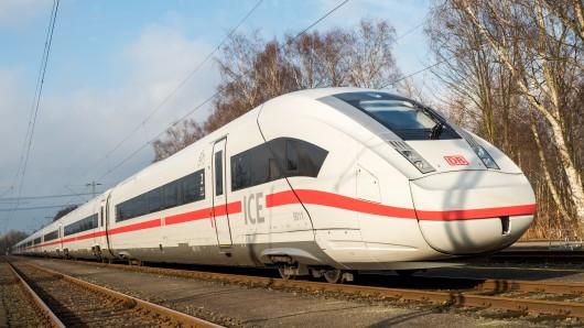 Der Fernverkehr der Deutschen Bahn in Norddeutschland ist dem Wetter zum Opfer gefallen.