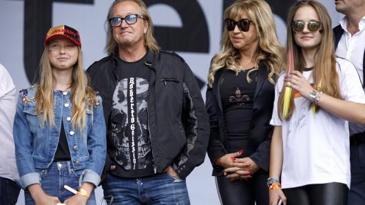 Die Geissens: Shania, Robert, Carmen und Davina haben Angst.