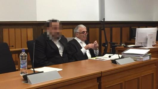 Valentin J. hat in Moers (NRW) eine Prostituierte umgebracht und seine Frau schwer verletzt.