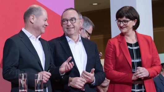 Die SPD-Basis hat sich für Norbert Walter-Borjans (Mitte) und Saskia Esken entschieden.