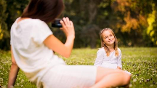 Als eine Mutter aus den USA ihre Tochter fotografiert, entdeckt sie etwas Schockierendes. (Symbolbild)
