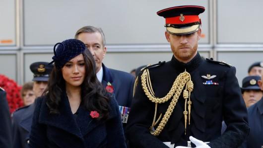 Royals: Meghan Markle und Prinz Harry schocken gerade die ganze Welt mit ihrem Rückzug.