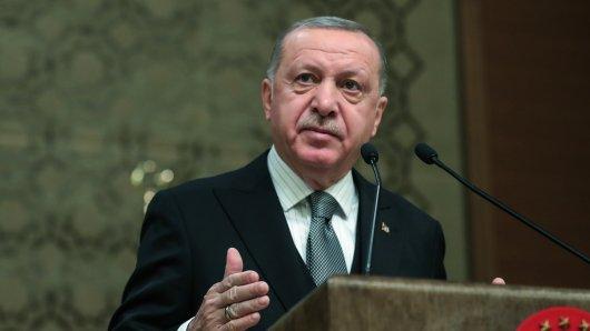 Türkei-Präsident will drei Schulen in der Türkei eröffnen.