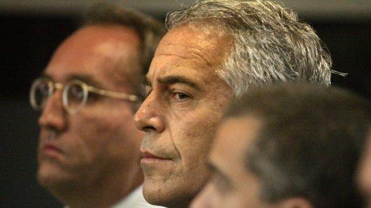 Jeffrey Epstein soll sich im Gefängnis erhängt haben.
