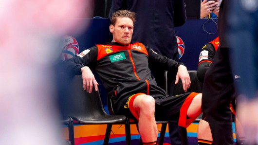 Tobias Reichmann und das DHB-Team können nach der Niederlage gegen Kroatien nur noch auf ein Wunder bei der Handball EM hoffen.