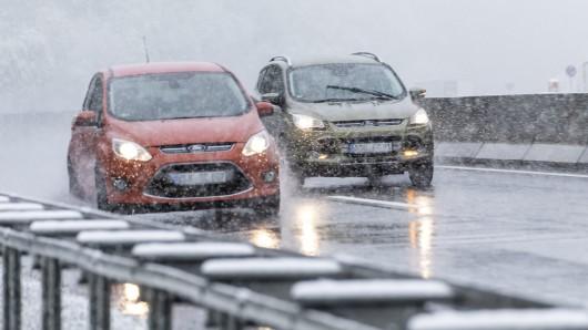 Das Wetter bleibt wenig winterlich. Gut für Autofahrer. (Symbolbild)