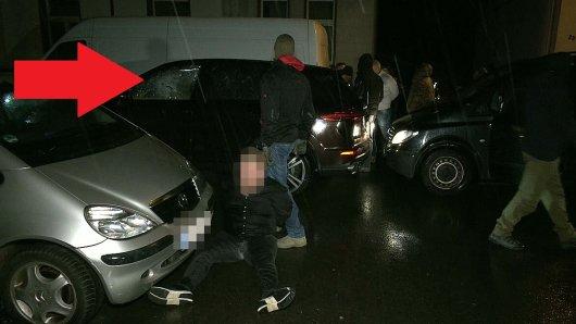 NRW: Das SEK nahm am Dienstag mehrere Männer fest. Ein zerstörter Porsche wirft Fragen auf,
