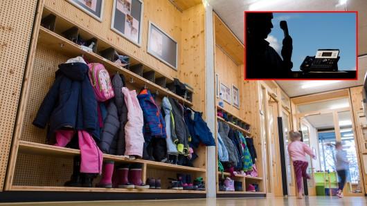 Ein Unbekannter verstört Erzieher mit seinen Anrufen in NRW-Kindergärten. (Symbolbild)