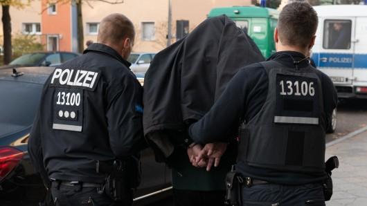 NRW: Eine Drogenbande wurde festgenommen. Sie soll im großen Stil über das Darknet mit Stoff gehandelt haben.