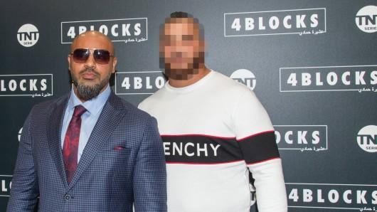 Hamudi E.-Z. (rechts), hier an der Seite von 4Blocks-Hauptdarsteller Massiv, wird in Düsseldorf der Prozess gemacht.