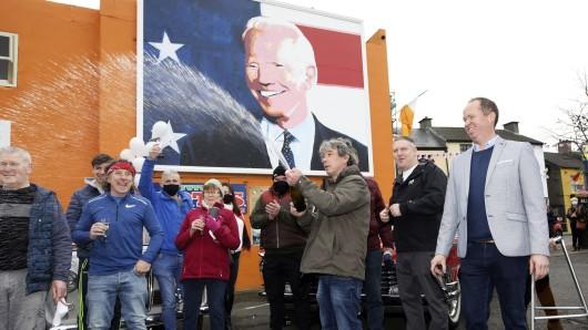 US-Wahlen: Das Ergebnis sorgt in einer irischen Kleinstadt für Jubel.