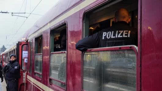 In Kamen wurde 2019 ein Kind durch einen Flaschenwurf verletzt. Der Angeklagte wurde nun verurteilt.