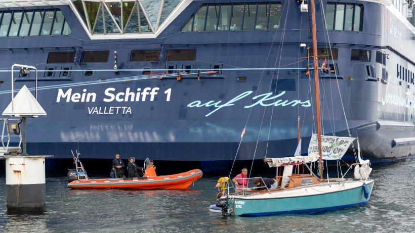 Kreuzfahrt: Schiff ändert plötzlich die Route – auch die Crew ist ahnungslos