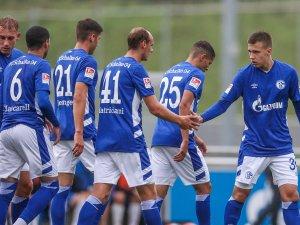 Der FC Schalke 04 absolvierte am Dienstagabend einen Test gegen Velbert.