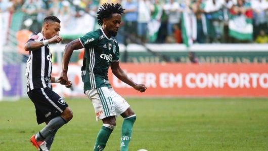 Zé Roberto (r.) will zum AF Chapecoense wechseln.