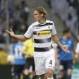 Jannik Vestergaard von Borussia Mönchengladbach ärgert sich über gewaltbereite Hooligans.
