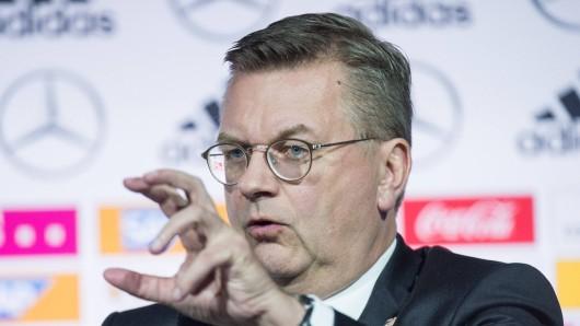 Reinhard Grindel tritt offenbar als DFB-Präsident zurück.