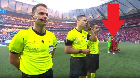 Kuriose Szene im Champions League Finale: Auf einmal durften auch die Ersatzspieler aufs Mannschaftsfoto.
