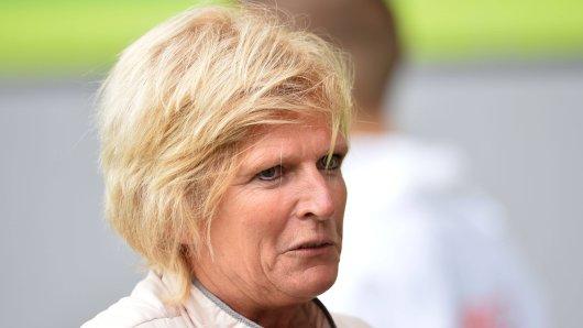 Sportstudio (ZDF): Erneut gab es viele böse Kommentare gegen Claudia Neumann.