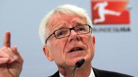 Reinhard Rauball tritt für eine strikte Umsetzung des Financial Fairplay ein.