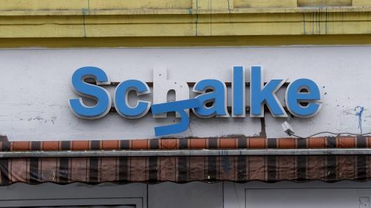 Nicht überall in Gelsenkirchen hängt der Haussegen so schief wie an dieser Fassade.