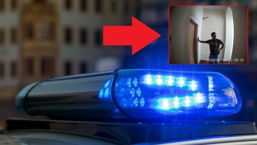 Die Polizei Gelsenkirchen sucht mit Bildern einer Überwachungskamera nach Einbrechern.