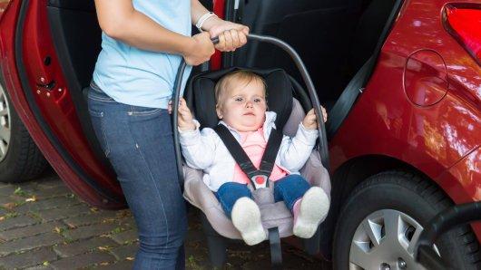 Gelsenkirchen: Nicht einmal ein Sicherheitsgurt! Ein Mann transportierte seine drei Kinder komplett ungesichert im Auto. (Symbolbild)