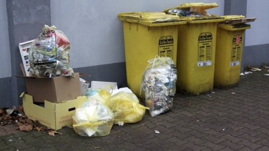 Überfüllte Mülltonnen in Gelsenkirchen. (Archivfoto)