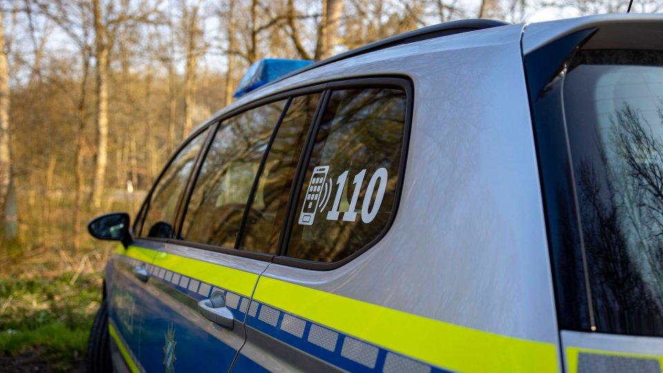 Die Polizei hat einen 16-Jährigen mit auf die Wache genommen, nachdem er sich in Widersprüche verstrickt hat. (Symbolbild)