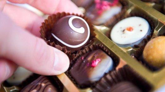 Der Griff zur Pralinenschachtel? Für viele Menschen in der Fastenzeit tabu.
