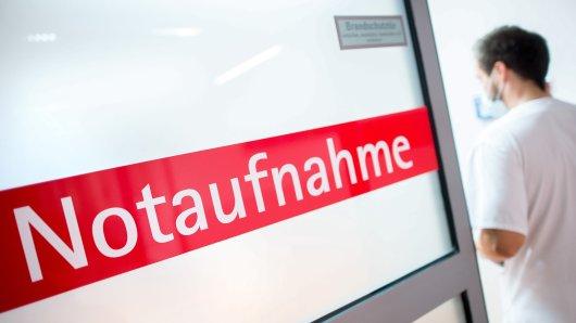 Berliner sind aufgerufen, sich im Krankheitsfall per Telefon über die richtige Anlaufstelle zu informieren.