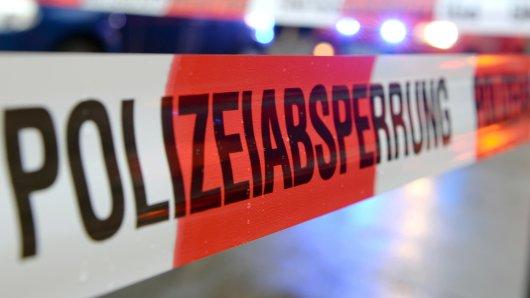 In Essen wurde ein 79-Jähriger von einem Motorrad angefahren und schwerverletzt.