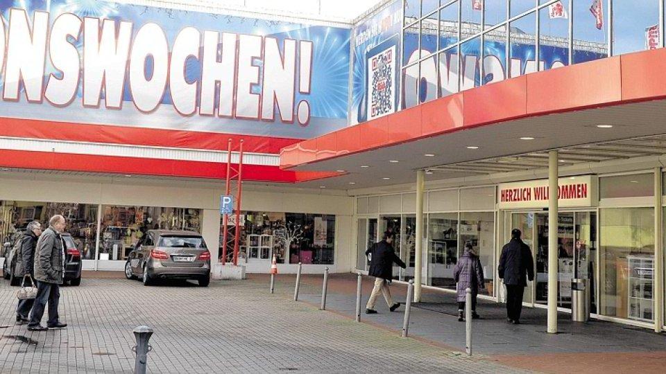 Möbel Oberhausen mitarbeiter möbel rück in oberhausen fürchten um