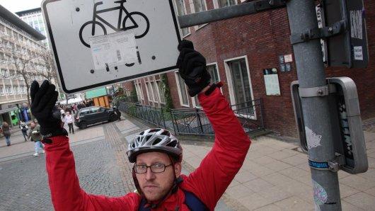 WAZ-Redakteur Martin Spletter versucht am Donnerstag, 20. November 2014, auf Radwegen die Innenstadt von Essen mit dem Fahrrad zu durchqueren.