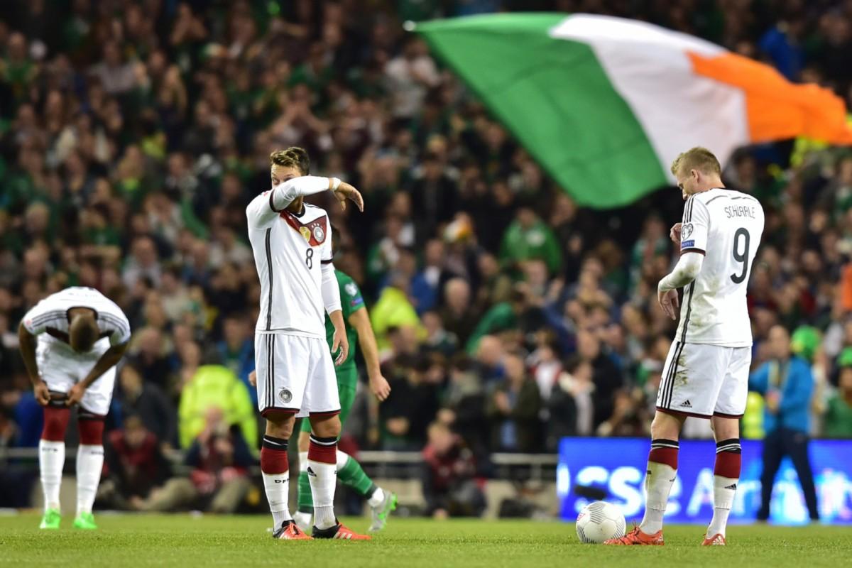 0 1 Nationalelf Verspielt In Irland Vorzeitige Em Quali