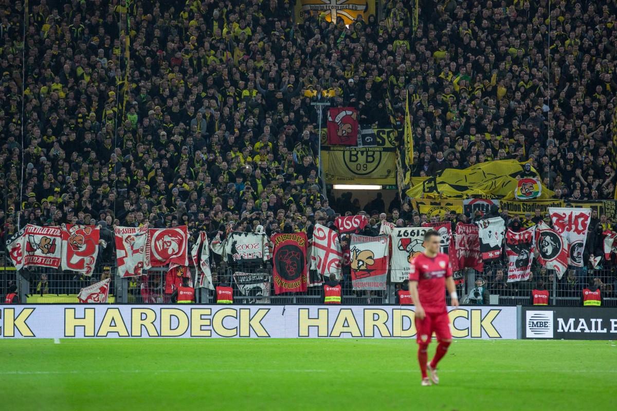 the best attitude dfb16 c7191 BVB-Ultras provozieren Stuttgart-Fans - Polizei ermittelt ...