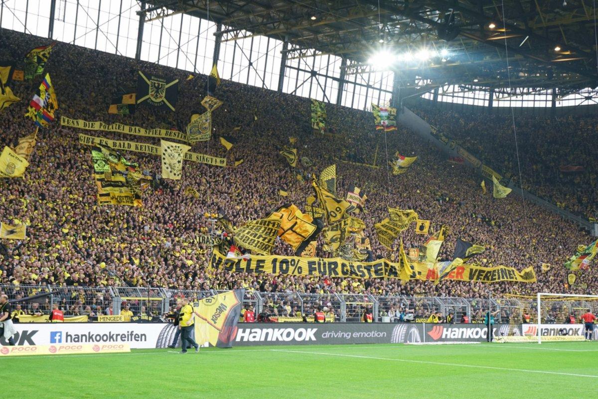 Bvb Hat Weltweit Besten Zuschauerschnitt Aller Fussball Klubs