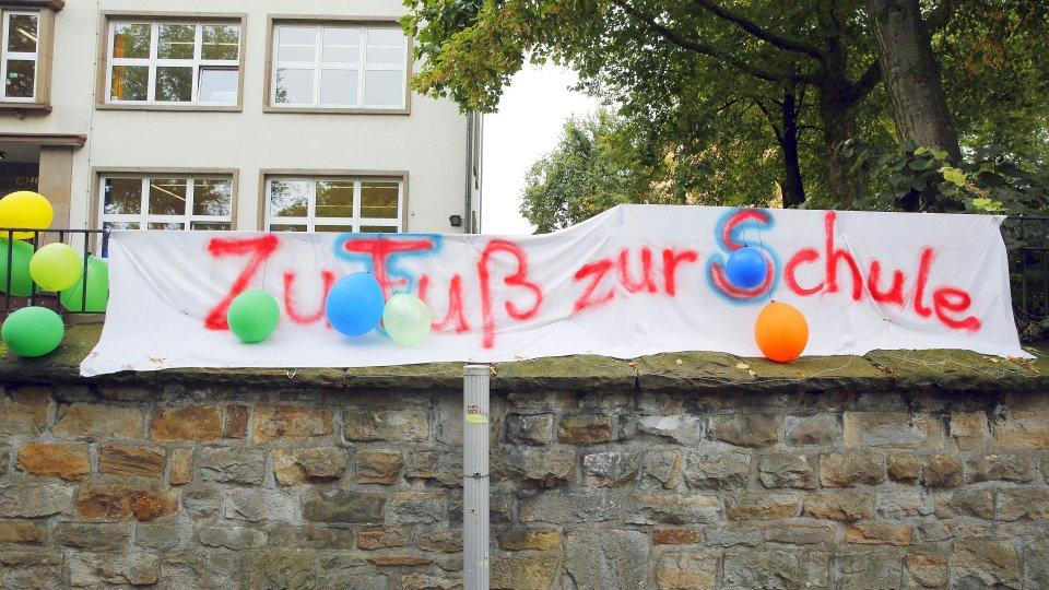 In Bochum sollen bis August 50 Containerklassen her. Gerthe   derwesten de