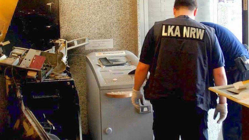 polizei geldautomaten gesprengt nachrichten aus siegen kreuztal netphen hilchenbach und. Black Bedroom Furniture Sets. Home Design Ideas