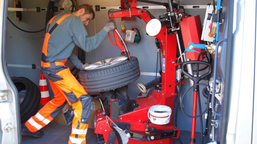 Startup Der Reifenbutler Der Einem Die Arbeit Abnimmt