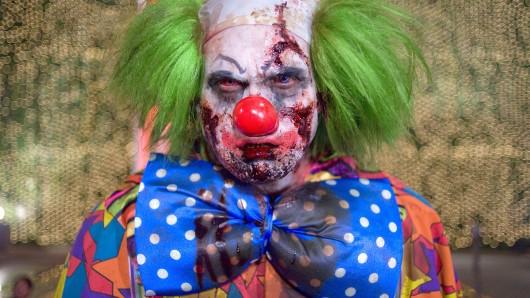 Auch in Bochum treiben Horror-Clowns ihr Unwesen. Ein 25-Jähriger schlug dem angreifenden Clown auf die Nase.