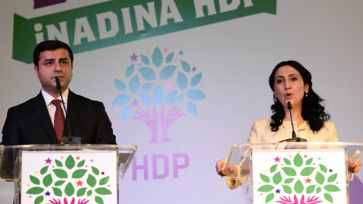 Bilder des Tages Selahattin Demirtas L and Figen Yuksekdag R two co leaders of Turkey s pro Kur