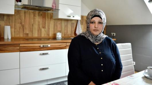 Neriman Yaman in ihrer Wohnung in Gelsenkirchen. Sie ist die Mutter von Yusuf T., der im April 2016 einen Sprengsatz auf den Sikh-Tempel geworfen hat.