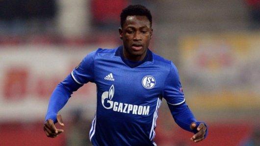Schalkes Ghanaer Abdul Baba Rahman verletzte sich im Spiel gegen Uganda.