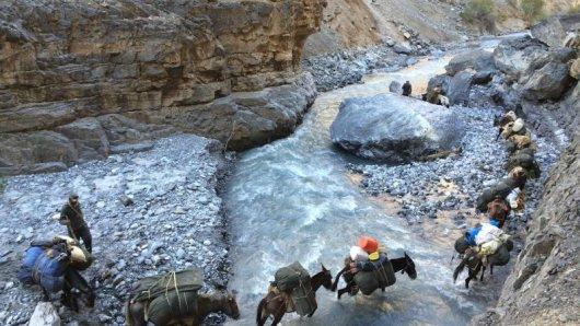 Überquerungen von Flüssen können in Ladakh gefährlich sein.