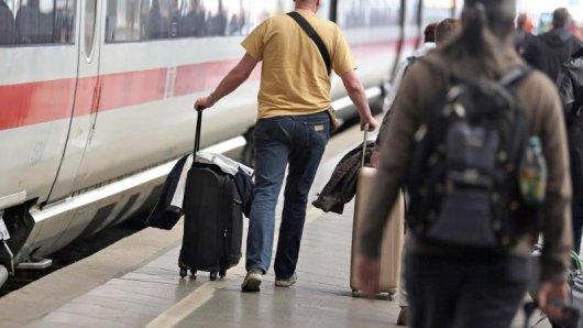 Im Fernverkehr räumt die Bahn ab. Im vorigen Jahr nutzen 138 Millionen Reisende den Zug.