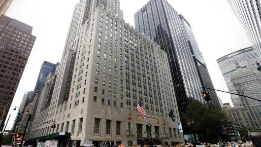 Fast zwei Milliarden Dollar ließ sich ein chinesischer Investor das Hotel kosten. Nun wird umfassend renoviert.