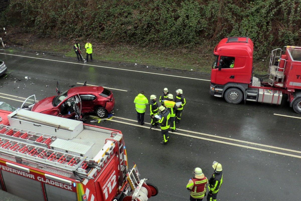 Schwerer Unfall Auf Der B224 Bei Gladbeck Straße Gesperrt Region
