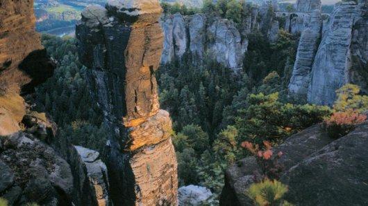 Malerische Natur imElbsandsteingebirge - in der Region fühlte sich so mancher Besucher an die Schweiz erinnert. Daher der Name:Sächsische Schweiz.